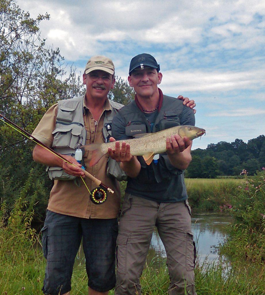 Charly Arendt machte bei mir einen Fliegenfischen-Kurs und sein erster Fisch mit der Fliegenrute war eine Barbe aus der Abens.