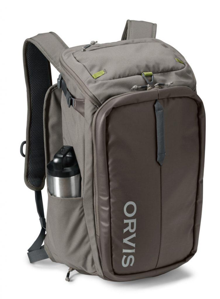 ORVIS Bug Out Backpack heisst dieser Rucksack für Fliegenfischer. Viele Details machen ihn zu einem wertvollen Begleiter am Wasser.